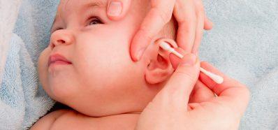 El Peligro de usar Bastoncillos para limpiar los Oídos