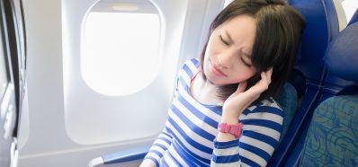 Cuida tus Oídos cuando Viajes en Avión