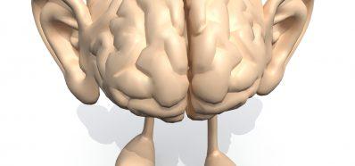 Los Audífonos mantienen Activo el Cerebro