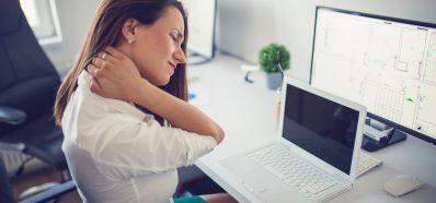 Las posturas forzadas pueden causar Síndrome Tensional